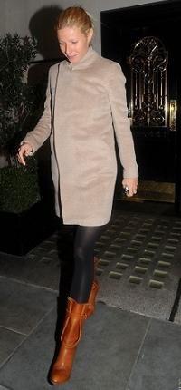 gwyneth paltrow abrigo camel