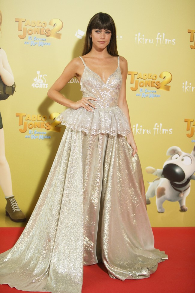 premiere tadeo jones 2 estreno madrid look estilismo outfit celebrity tini stoessel