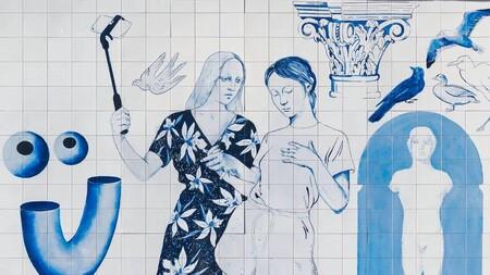 La Gran Vía de Madrid se viste con el arte contemporáneo pero castizo del dúo millennial Los Bravú