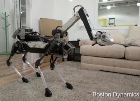El nuevo robot de Boston Dynamics es toda una pesadilla eléctrica con brazo autónomo