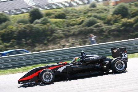 Roberto Merhi empieza a demostrar su potencial