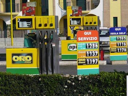 Gasolinera-oro