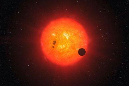 Descubierto un planeta extrasolar compuesto de agua