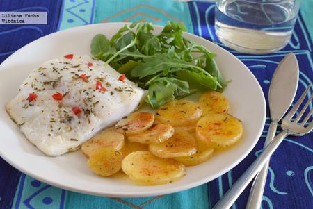 Bacalao con patatas al vapor en microondas. Receta saludable