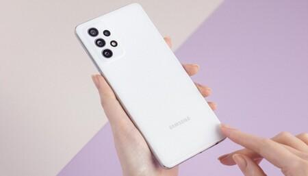 Samsung Galaxy A72, el mejor móvil de la familia 'A' refuerza la batería y cámaras sin menospreciar el diseño