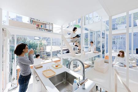 Casa completamente transparente - interior 2