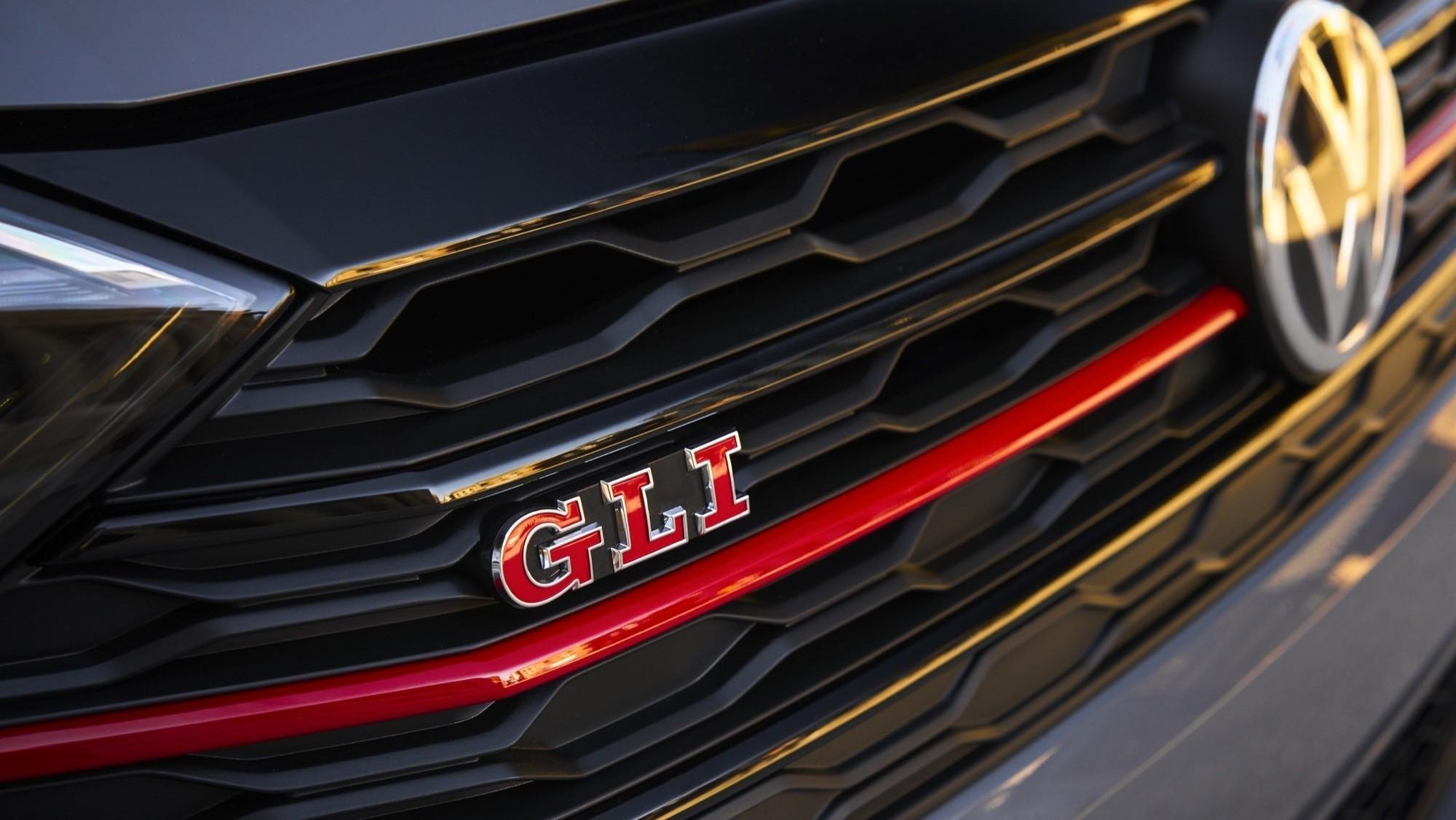 Foto de Volkswagen Jetta GLI 2020 (19/27)