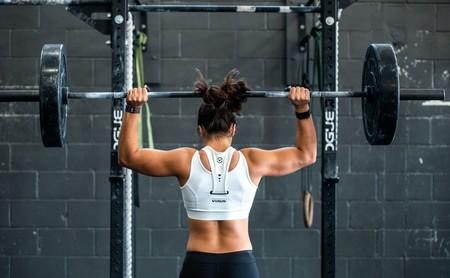 Seis claves para optimizar tu entrenamiento de fuerza en el gimnasio