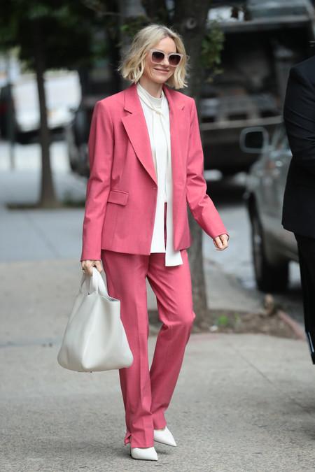 Naomi Watts Traje Rosa