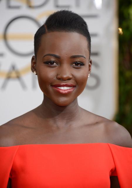 De la capa de Lupita Nyong'o al escote de Taylor Schilling, Ralph Lauren sabe cómo triunfar en la alfombra roja