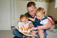 Leer a los niños desde su nacimiento les ayuda en la adquisición de diferentes habilidades