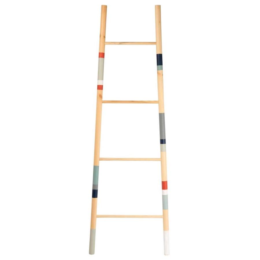 Escalera decorativa de pino con motivos decorativos de rayas multicolores