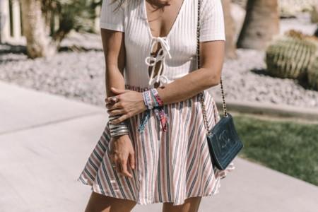 Duelo de faldas: ¿mix de estampados o prendas lisas?