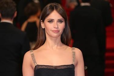 Felicity Jones demuestra en los Bafta 2017 que Christian Dior sabe hacer el vestido negro perfecto