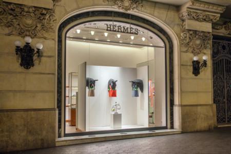Chema Madoz para Hermès: cuando los escaparates se convierten en obras de arte