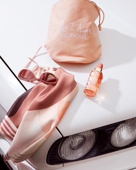 Esta versión del perfume Yes I am de Cacharel con melocotón deja un aroma dulce nada empalagoso que apetece todos los días