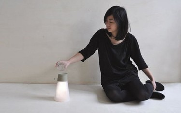 Una lámpara que funciona con la energía del agua