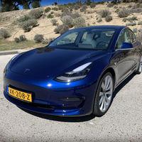 Los coches eléctricos de Tesla comienzan a hablar, y Elon Musk asegura que podrán comunicarse con los peatones