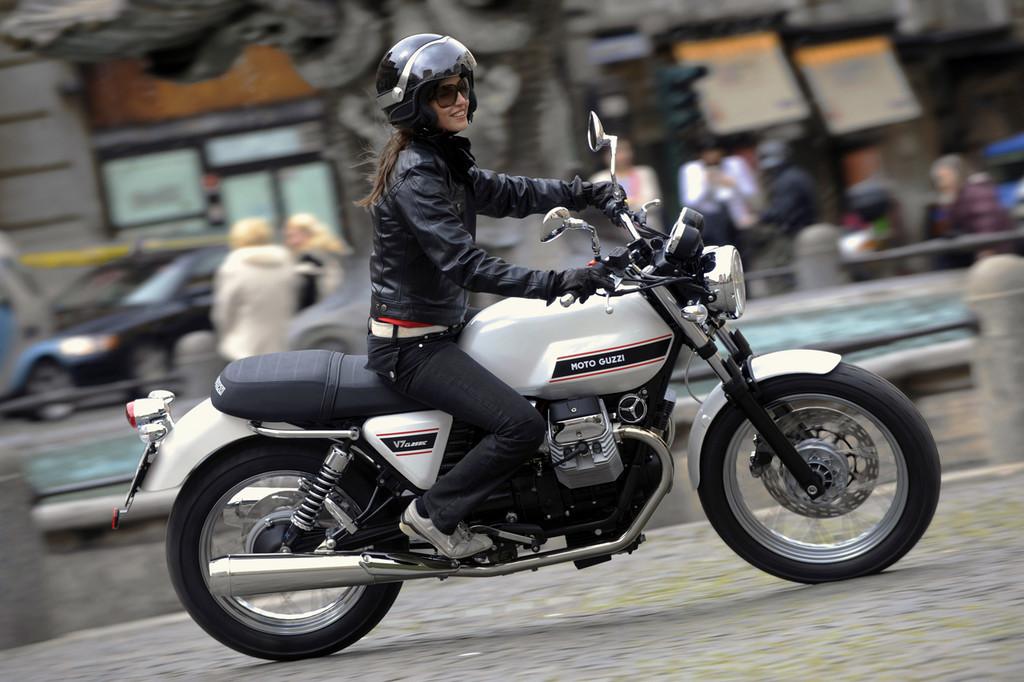 Foto de Moto Guzzi V7 Classic (34/42)