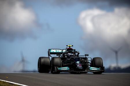 Valtteri Bottas se queda con la pole en Portimao por siete milésimas y Carlos Sainz saldrá quinto
