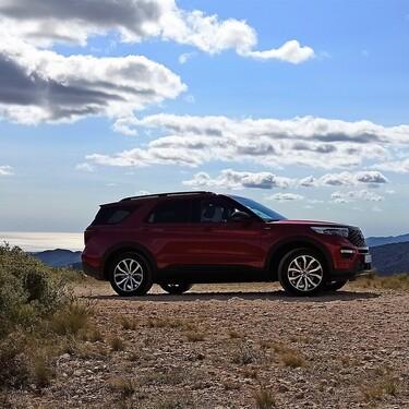 Probamos el nuevo Ford Explorer Híbrido: un apabullante SUV con intenso sabor americano