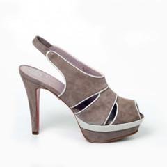 Foto 3 de 15 de la galería coleccion-sandalias-primavera-verano-2011-de-jaime-mascaro-viva-el-color en Trendencias