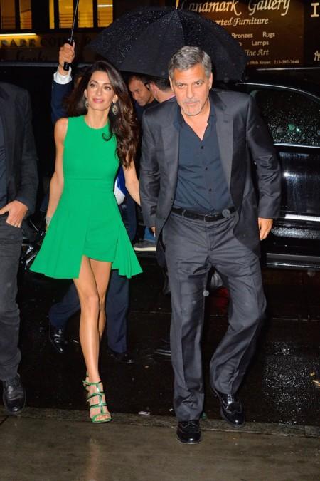 El matrimonio Clooney de cena romántica
