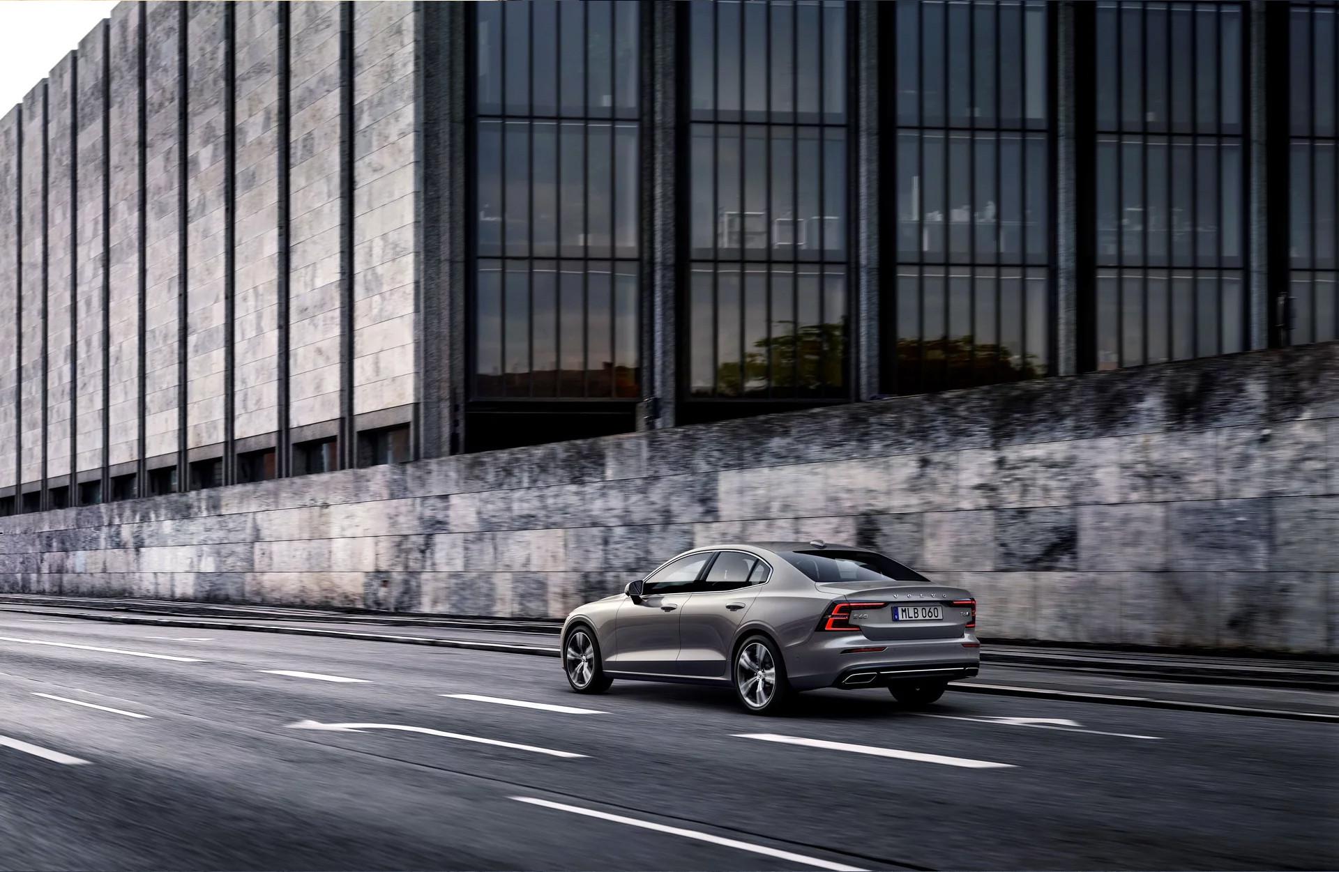 Foto de Volvo S60 2019 (29/40)