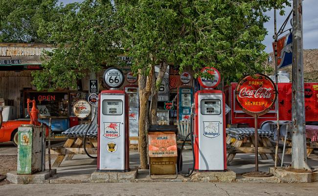 Las gasolineras no le ven tanto problema a la obligación de instalar puntos de recarga para coches eléctricos (por ahora)