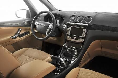 Ford Galaxy-02