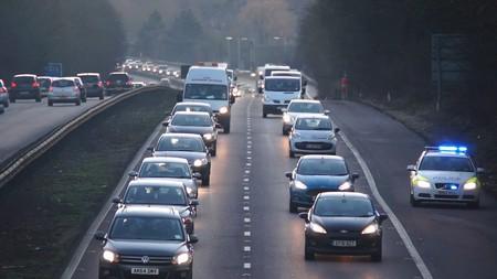 La UE obligará a fabricantes a instalar un medidor de consumo de combustible en sus autos