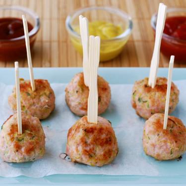 Receta de mini albóndigas de pavo especiadas con calabacín, un aperitivo para toda la familia