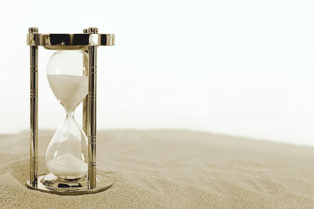 Continúan las dudas con el control horario: las horas extra no remuneradas aumentan un 10%