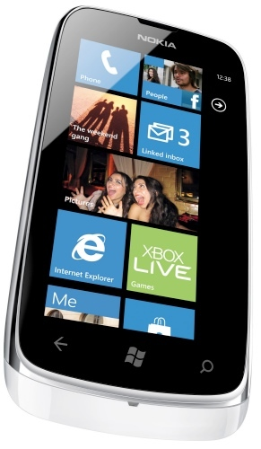 Nokia Lumia 610: Windows Phone de bajo costo con buenas prestaciones