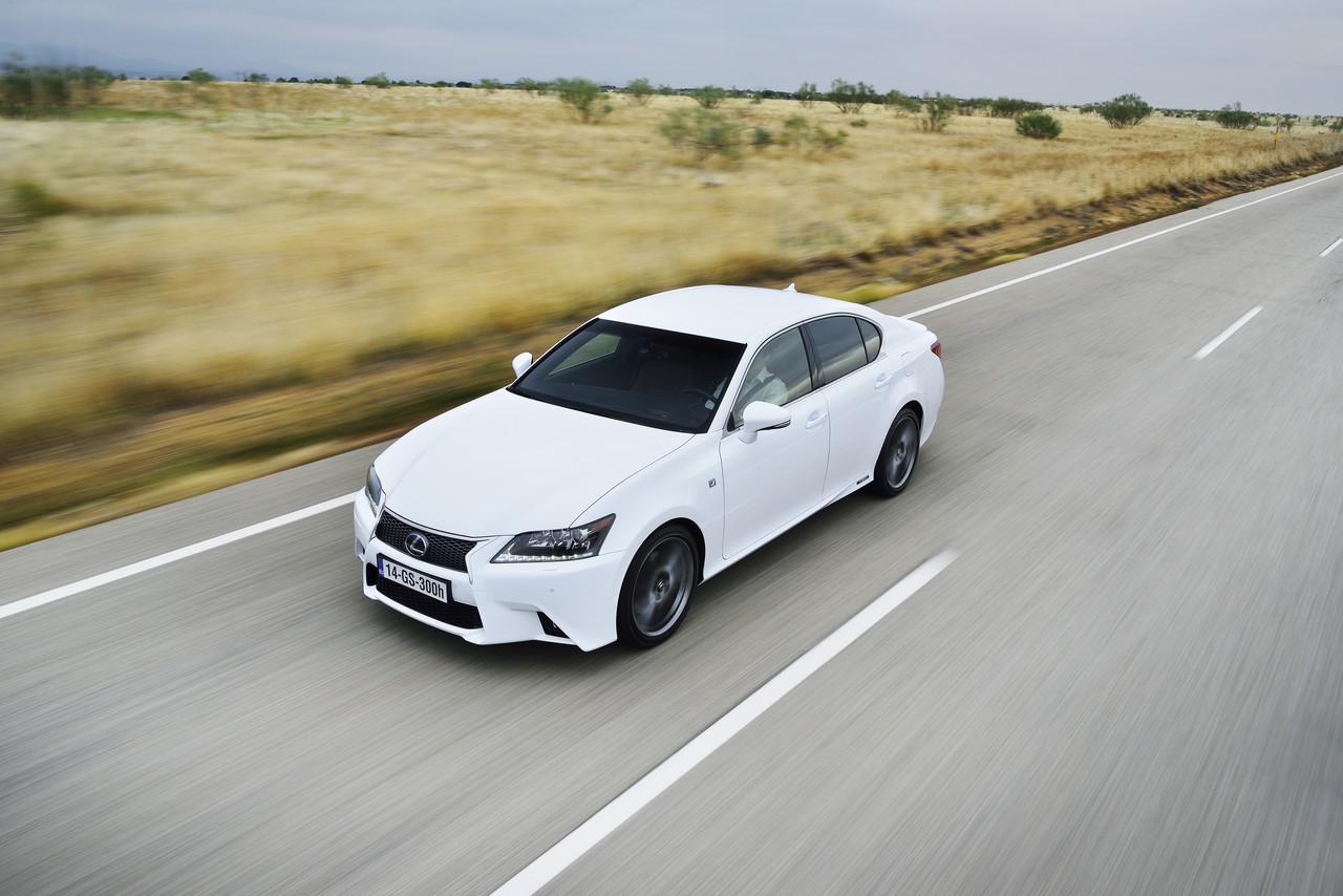 Foto de Lexus GS 300h (54/153)