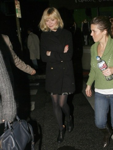 Looks abrigo frío celebrities: Kirsten Dunst