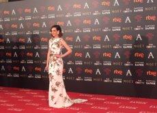 Natalia de Molina luce escote en la espalda en los Goya 2016