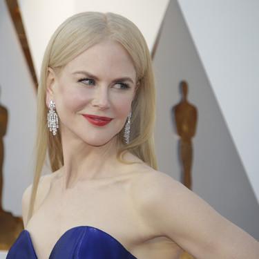 Oscars 2018: solo Nicole Kidman podía defender este complicadísimo vestido y salir triunfante de ello