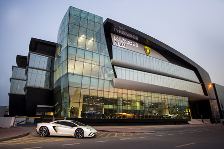 ¡Descomunal! Así es el nuevo concesionario Lamborghini Dubai, el más grande del mundo