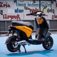Piaggio va a desarrollar ayudas a la conducción en sus motos derivadas de la tecnología de sus robots autónomo