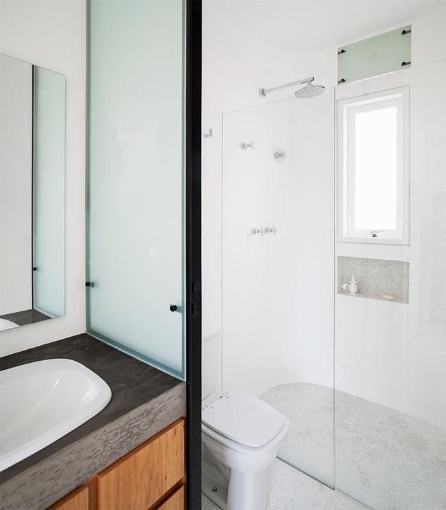 Small Bathroom Design 080218 213 01 800x913
