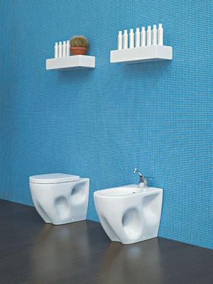 Flaminia: baños para pisos jóvenes