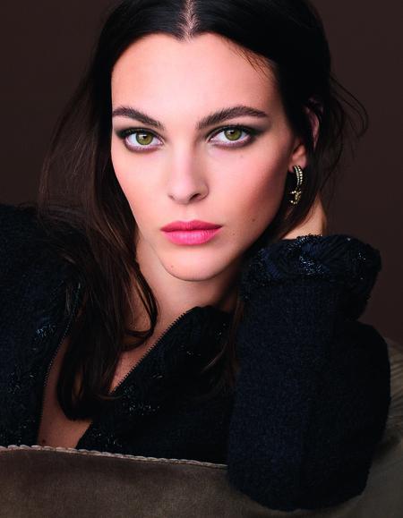 Chanel nos presenta su nueva colección de maquillaje para el otoño-invierno y la mirada sigue siendo la absoluta protagonista
