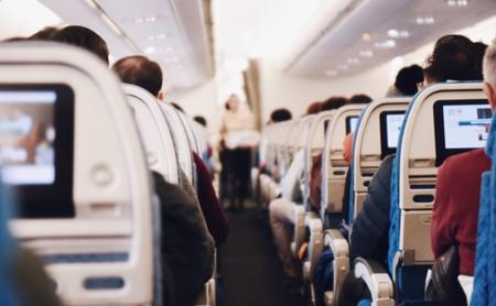 Si este verano viajas en avión, esto es lo que puedes hacer para mantenerte activo