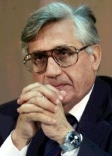 Gobernador del Banco de Italia dimite