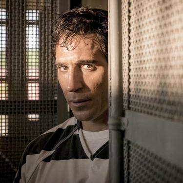 'En el corredor de la muerte': Miguel Ángel Silvestre se luce en la sobria y discreta miniserie de crimen real de Movistar+