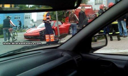 Dolorpasión™: Cae el primer Ferrari 458 Italia