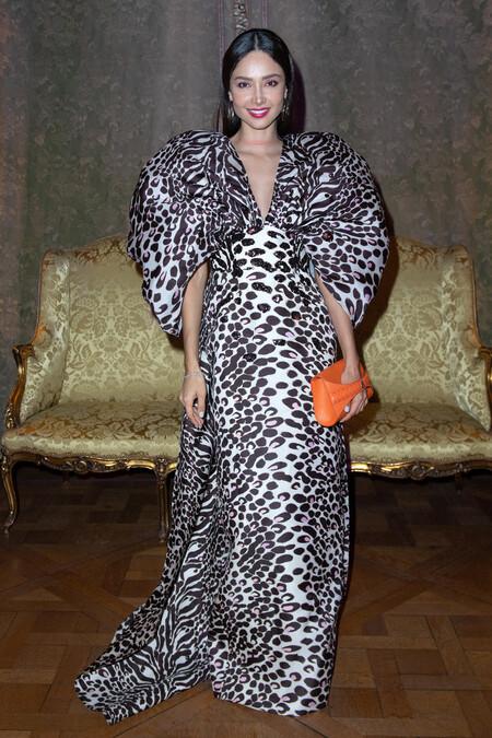 Cómo llevar un vestido de leopardo