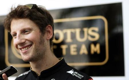Romain Grosjean deja entrever que seguirá en Lotus