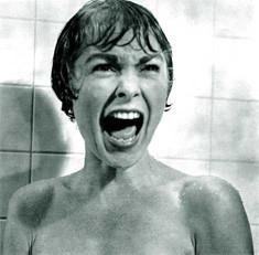 Edita tu versión de la escena de la ducha de 'Psicosis'